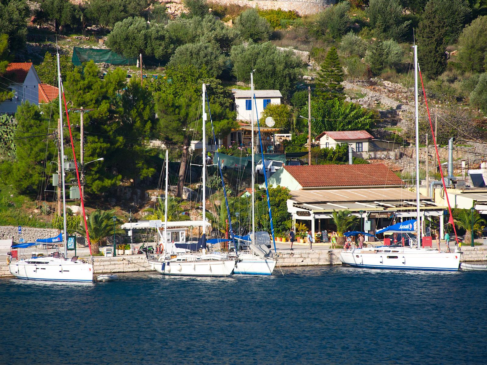 Agia Efimia port kefalonia
